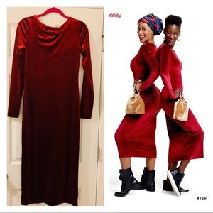 Velvet midi dress size small brand isn't Zara ❤️